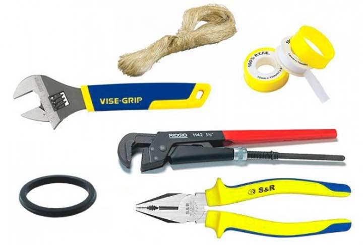 Инструменты и материалы для монтажазапорной арматуры на бачок