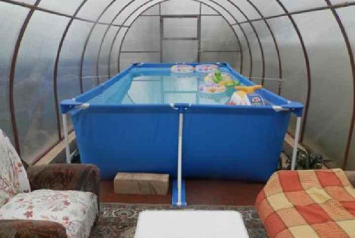 Бюджетное покрытие для бассейна