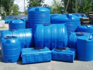 Различные емкости для воды
