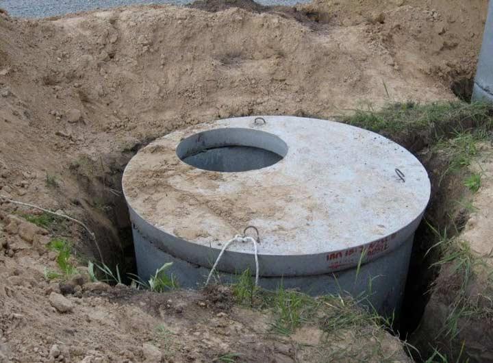Накопитель канализационный из бетонных колец