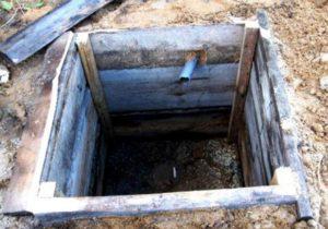 Выгребная яма из дерева