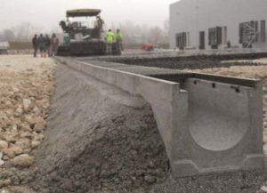 Монтаж водоотвода бетонного