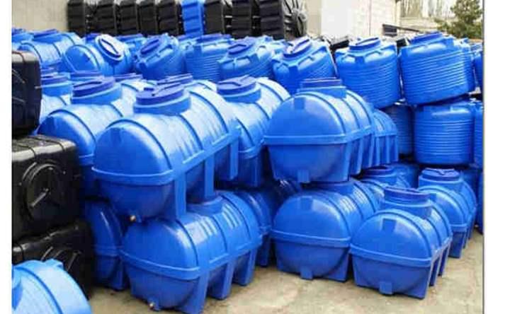 использование пластиковой емкости для канализации