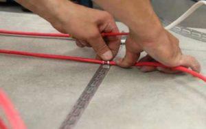 Крайний слой бетона кладут намного тоньше первого
