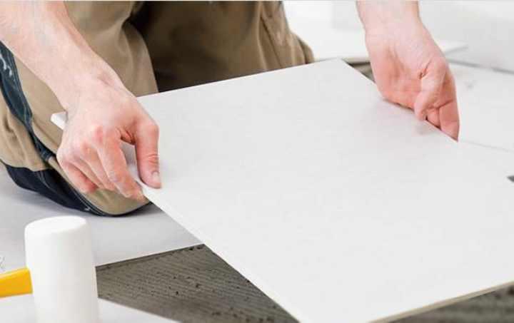Укладка плитки на теплый пол своими руками: Инструкция  Видео