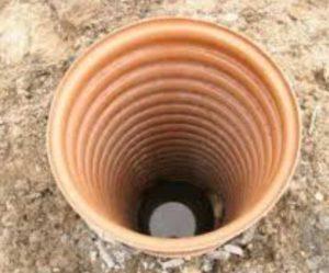 колодец в глубину имеет от десяти и более колец